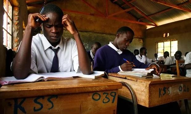 Mwalimu afa akisahihisha KCSE katika hali ya kushtua