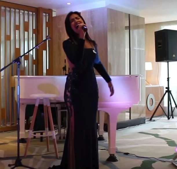 Pinay singer made fellow Filipinos proud with stunning performance in Malaysia