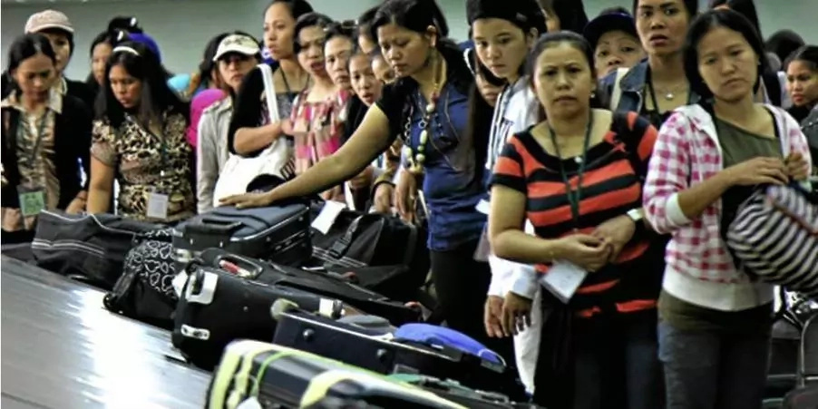 OFWs in the airport