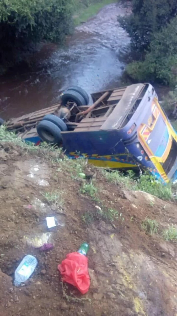 17 people killed after Nairobi bound bus plunged into a river