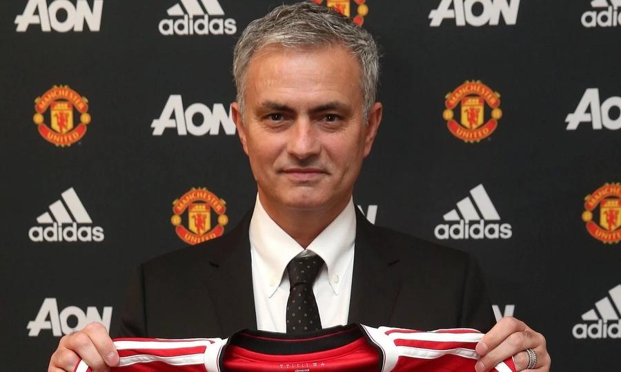 Jose Mourinho afichua kuwa kuna wachezaji wakuu 3 wa Barcelona atakaowanunua msimu huu