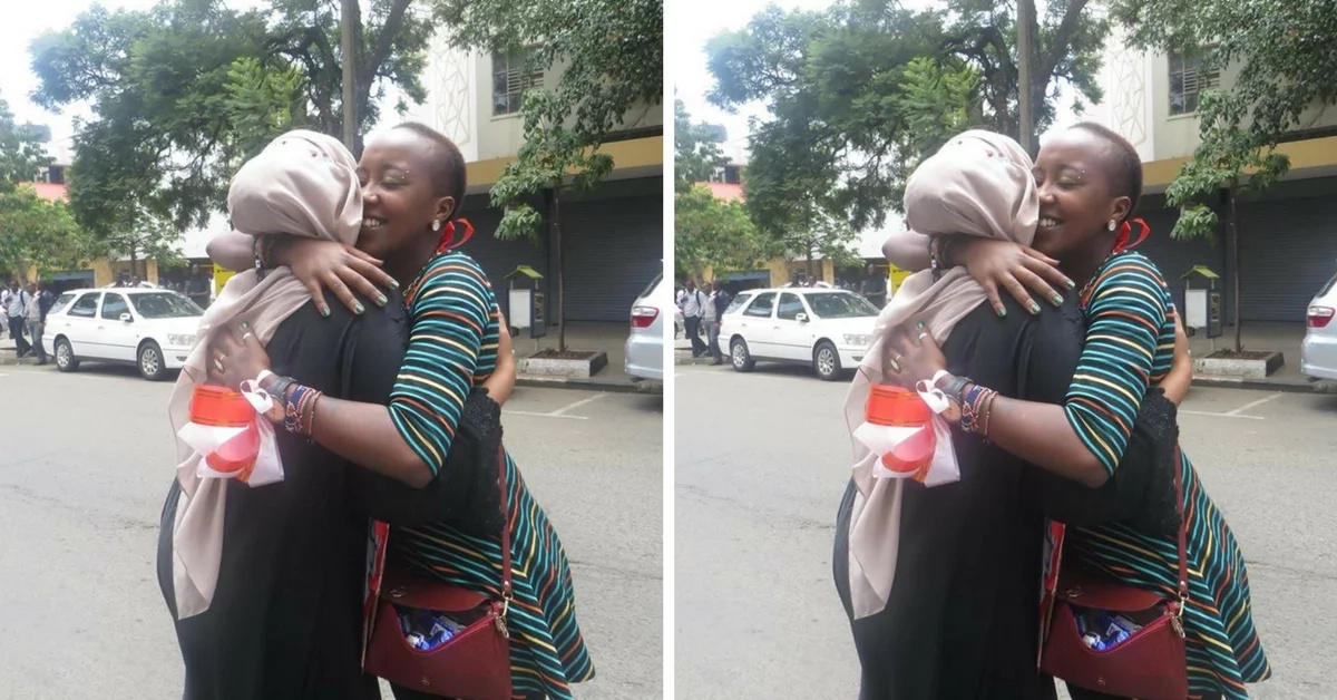 Beautiful lady who hugged 877 people on Valentine's day and the reason behind it (photos)
