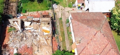 Oops... Million-dollar house demolished by ACCIDENT (photos)