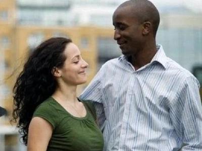 Esposa sospechosa causó una amenaza terroriste en toda la ciudad, pero sólo quería 'atrapar' a su esposo siéndole infiel