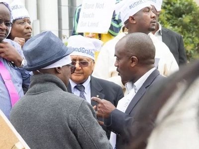 Kenyan billionaire leads demonstrations against land grabbing (photos)
