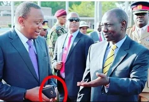 Finally, we reveal the phone that Uhuru Kenyatta uses