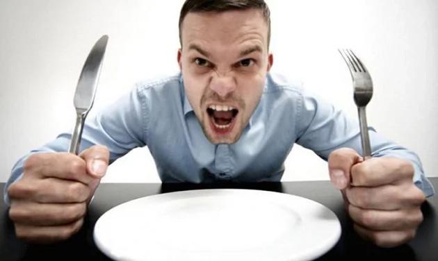 5 razones por las que siempre tienes un apetito voraz