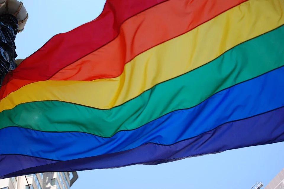 Rechazan petición para tumbar el matrimonio igualitario
