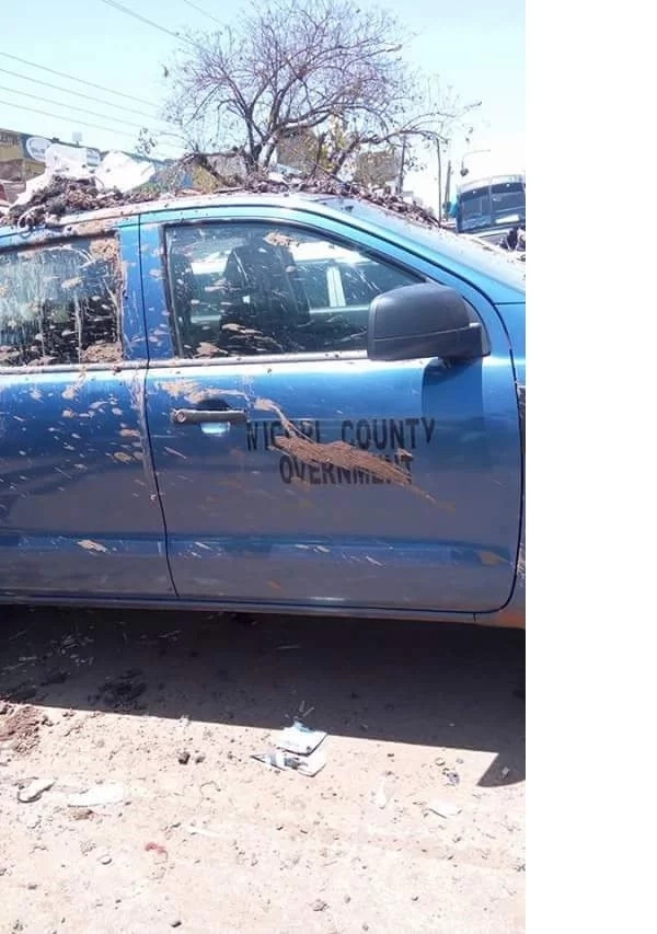 Migori residents use posh county vehicles to collect rubbish (photos)