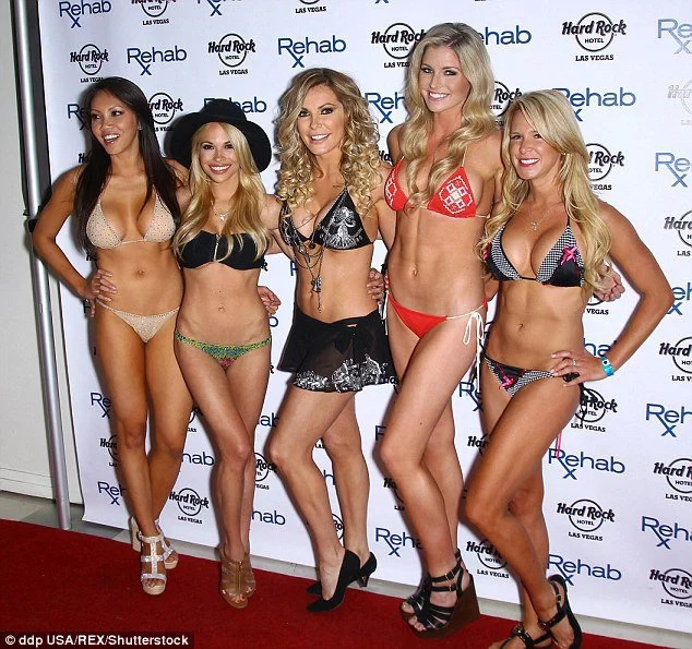 Playboy model criticized for body shaming woman