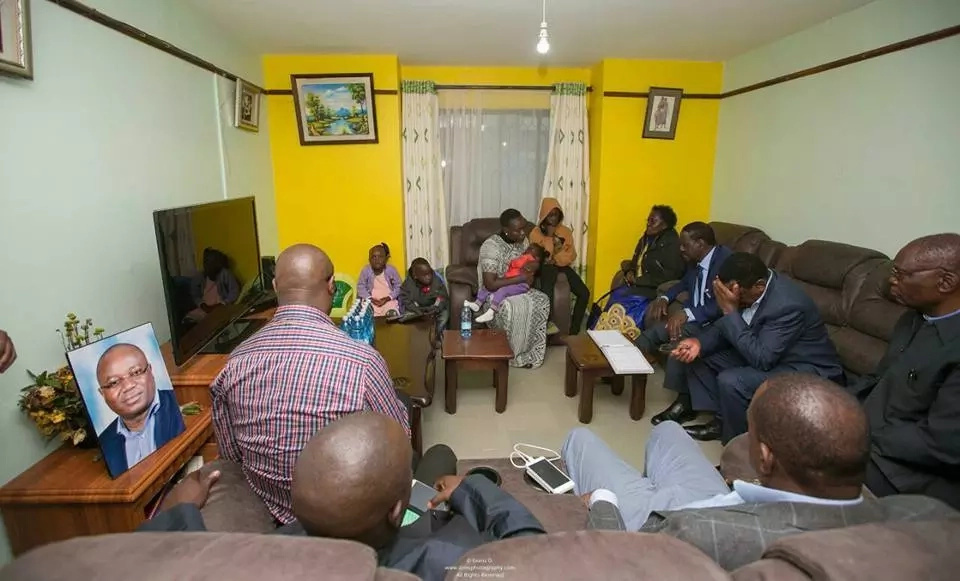 Raila visits the family of the late Chris Musando
