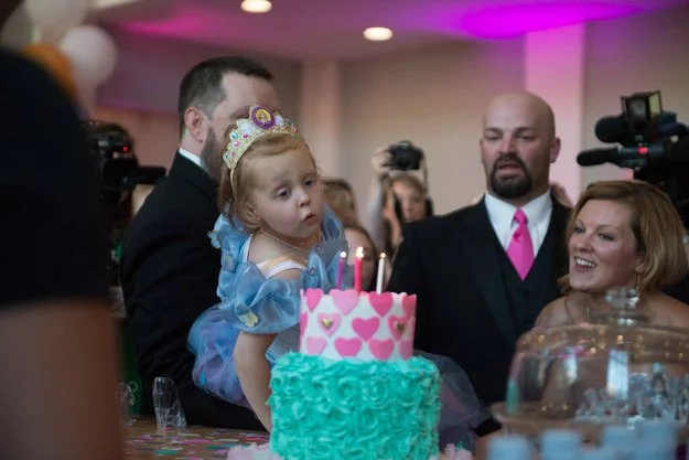 Parents throw the most awesome birthday party for terminally ill daughter