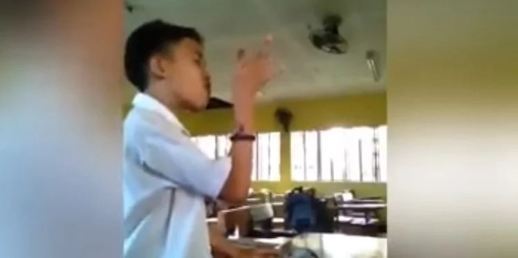 Pinoy student shockingly covers Arian Grande's hit song in viral video