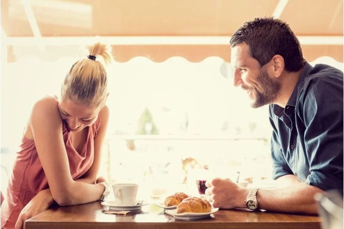 Ladies, you should never do these things on the first date!