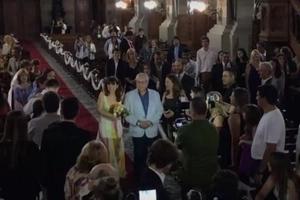 La mujer llegó a la iglesia sin saber que estaba allí para su matrimonio
