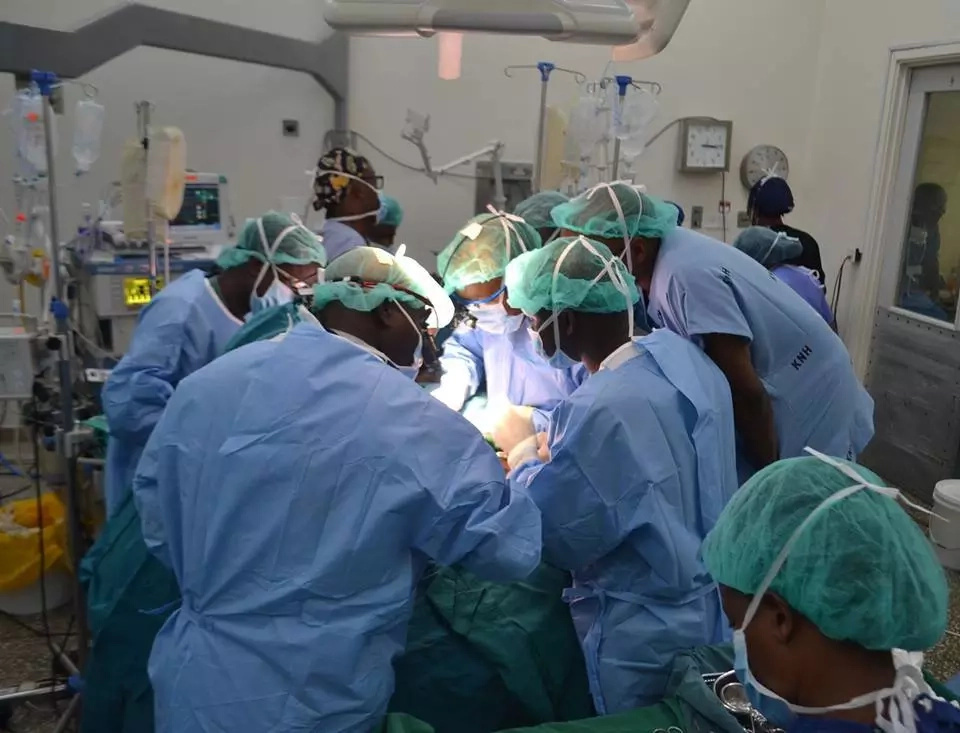 President Uhuru lauds KNH doctors after separating conjoined twins