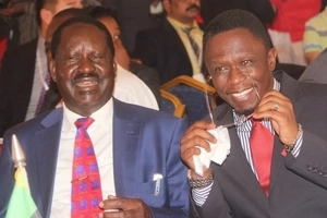 Ababu Namwamba AKOSANA na mwandani wake kwa sababu ya Raila Odinga