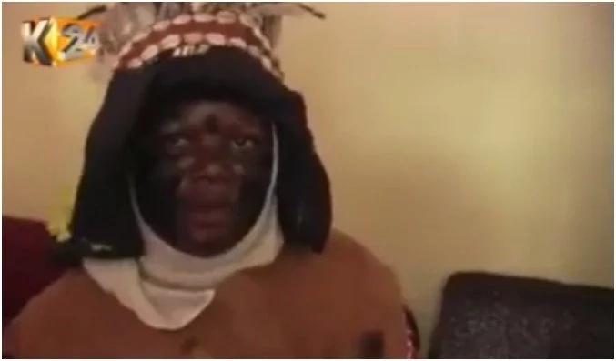 Mwanaume fisi AKWAMA akichovya buyu la asali la shemeji yake