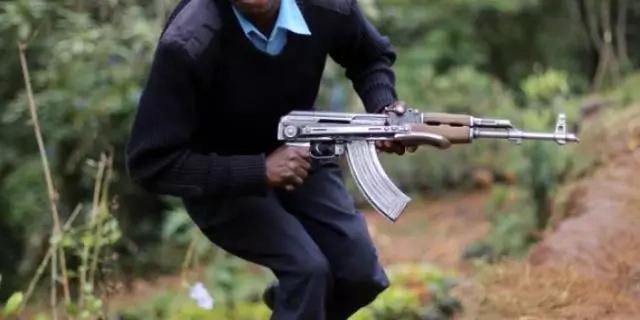 Taharuki Nairobi: jambazi azua fujo katika mkahawa wa CHIPSI kabla kufyatuliana risasi na polisi