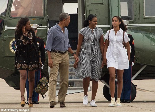 Obama's daughter now pictured with a huge bong