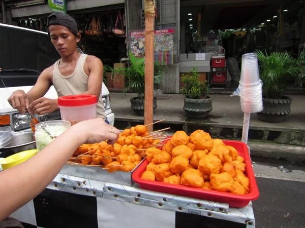 Girl loves streetfood but ends up in hospital