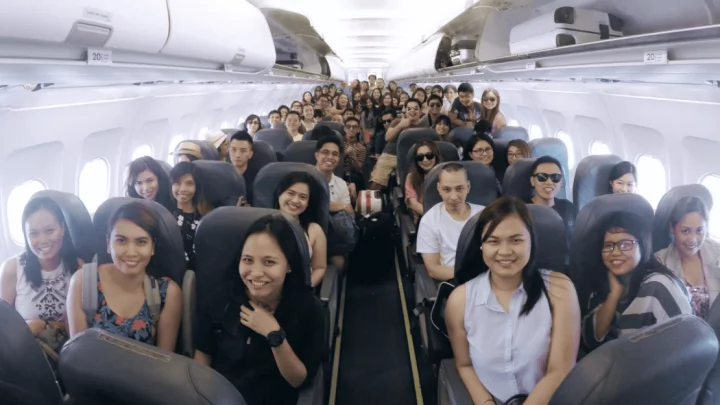 Law school dean sends new lawyers to a 3-day Boracay trip, treats them after passing the Bar Exam