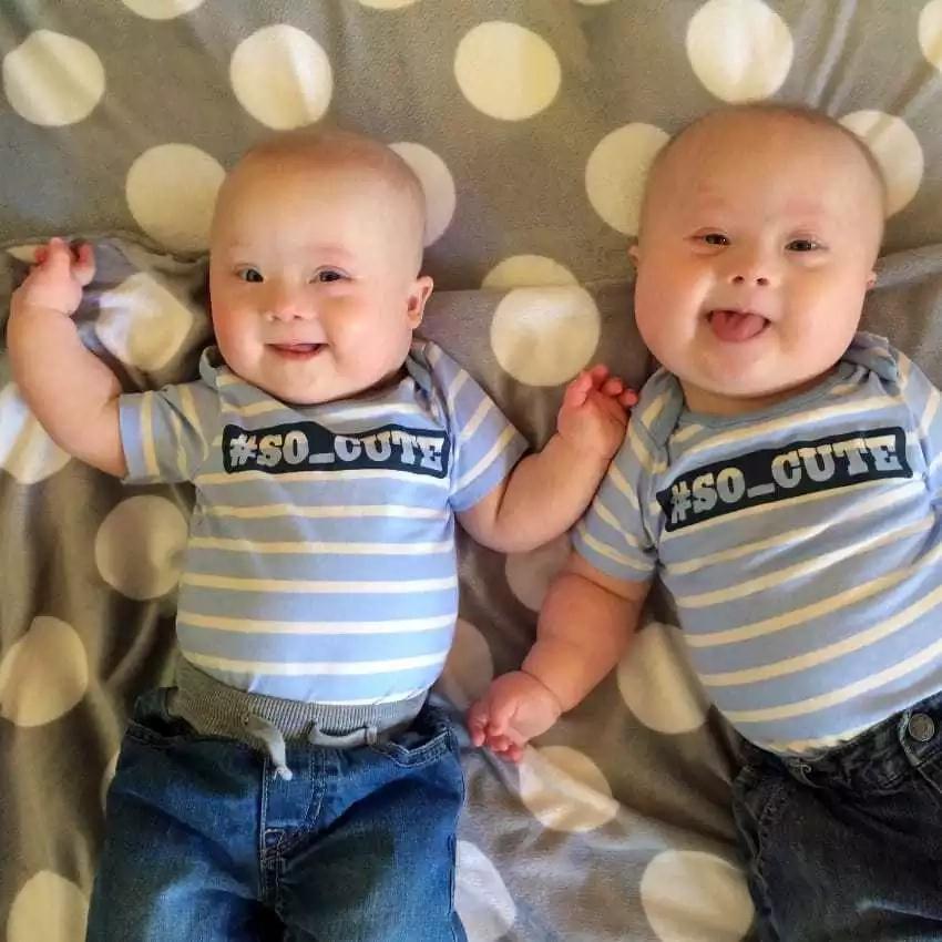 Mamá se enteró de que sus gemelos tenían síndrome de Down y los puso en adopción