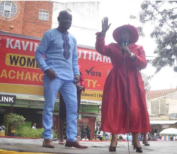 Mgombeaji huyu wa kike katika chama cha Jubilee adai kupata mtoto na Seneta Johnstone Muthama
