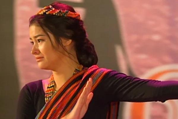 Maganda pa rin kahit umiiyak! Kathryn Bernardo tops poll of Kapamilya leading ladies who are still beautiful while performing intense emotional scene