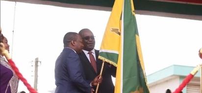 Mkewe Evans Kidero ajawa na bashasha baada ya mumewe kurejea kutoka kwa 'mke mwenza' (picha)