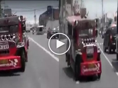 These kids thought that this jeepney is a toy car, what they did was extremely dangerous!