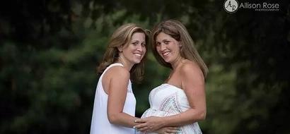 Su hermana gemela no podía tener hijos así que esta mujer se embarazo para darle el bebé
