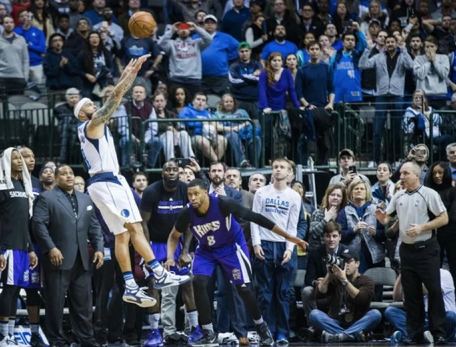 These NBA Top 10 shots will surely amaze you