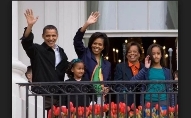 Obama's Mother Receives $160K Pension... FOR LIFE?