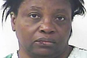 Arrestaron a una mujer porque le roció pimienta en los ojos al marido porque se echó un pedo