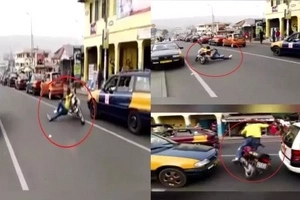 This man caused heavy traffic but what he did entertained the public...uwian na! May nanalo na!