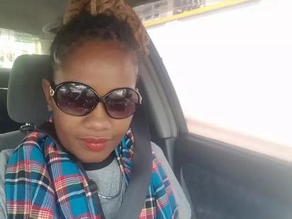 Mwanamke mrembo aliyepigwa picha na Raila Zanzibar awachimba Wakenya kupitia ujumbe mzito