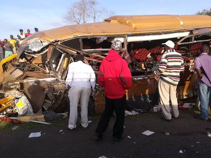 27 die in grisly road accident