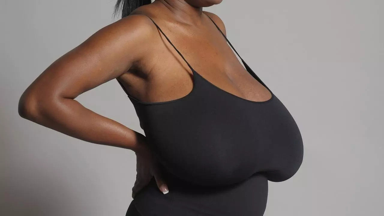 Battle of the breasts in Kenya