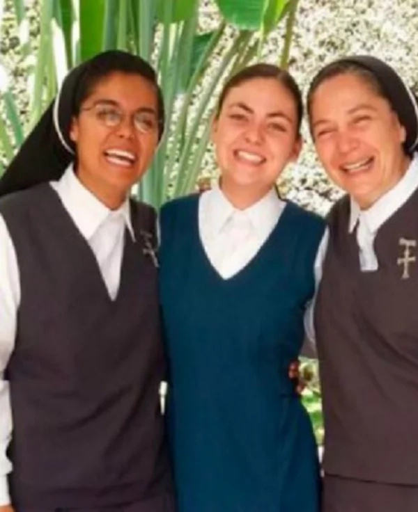 Esmeralda (centre) with some missionaries at her convent