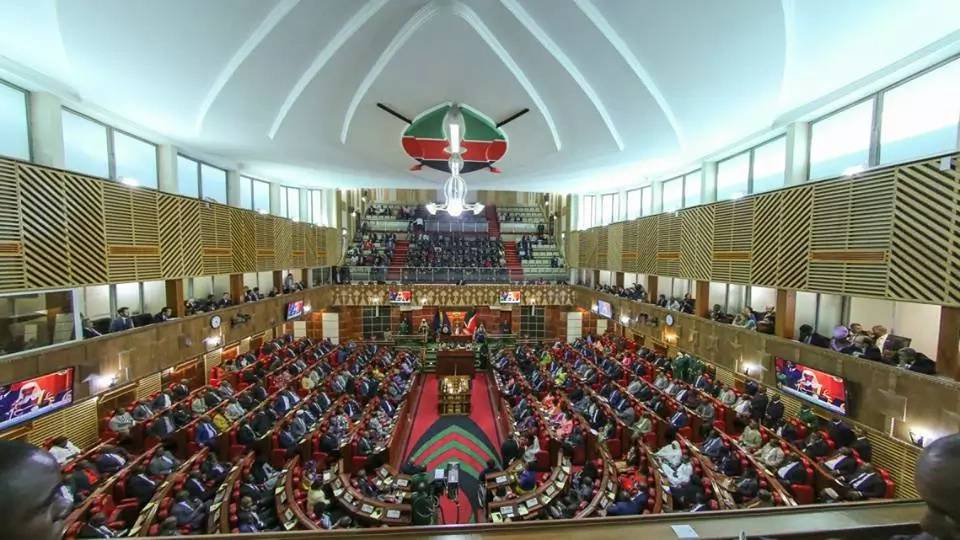 Chaos in Parliament during 2016 state of the nation address