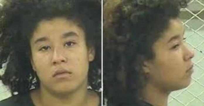 Durante una pelea doméstica una cruel mujer le rompe el cuello a un cachorro de 8 semanas