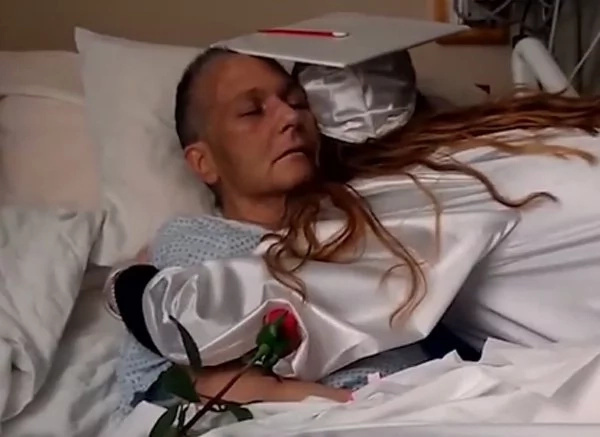 Daughter gives dying mother her last miracle