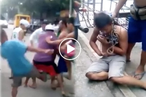 Brutal! Motorcycle thief caught and violently beaten like a dog