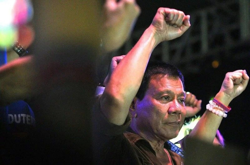 "Duterte plans to visit Pope, apologize for ""whore"" comment"