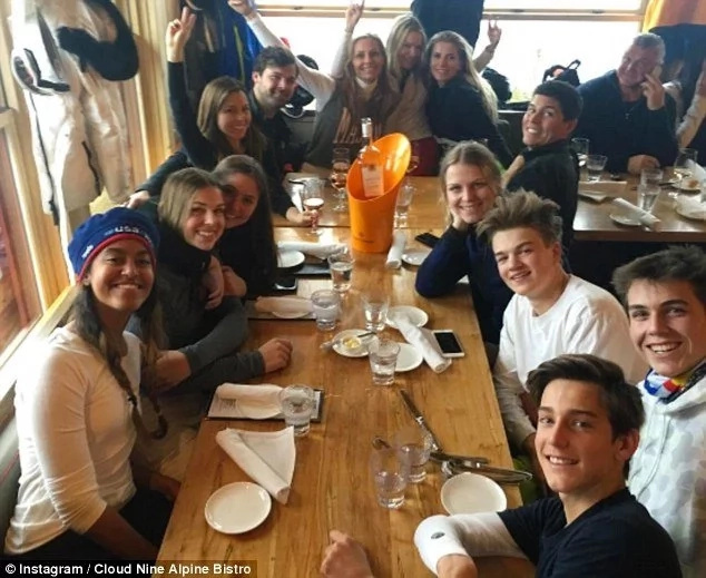 Rich kid photo! Malia Obama pictured dining with kids of MILLIONAIRES (photos)