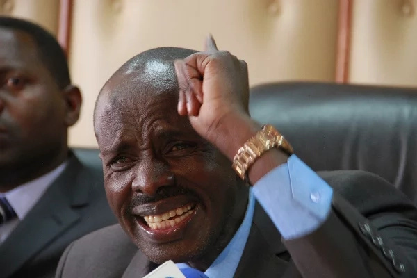 Raila 'gives' KNUT's Wilson Sossion a 'good' job