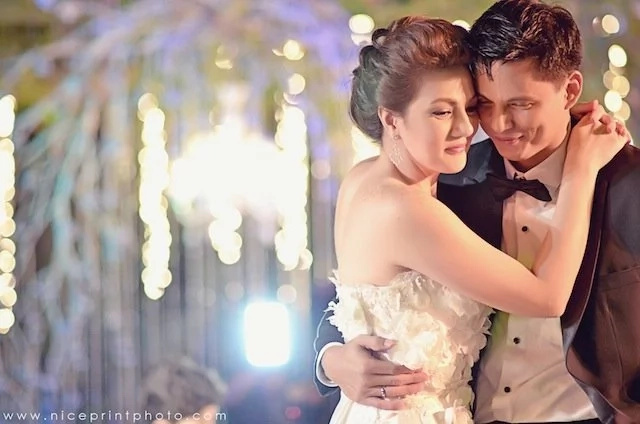 Top 10 things about Carmina & Zoren's wedding. It wasn't about the grandiose wedding that was captured by the lenses, but the behind-the-scenes.