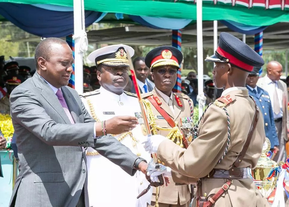 Uhuru applauds Kenya Police for their professionalism during 2017 polls amid claims of police brutality