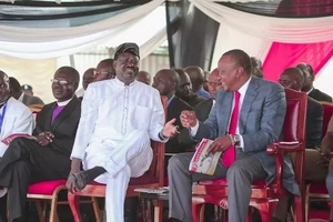 After Uhuru prayed for Rain, Raila also prayed for rain in Kibera and look what happened